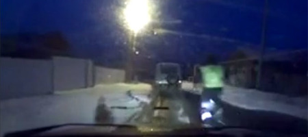 russian-cop-foot-chase